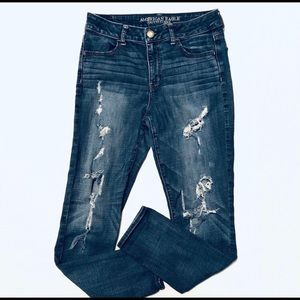 AEO high-rise jegging highly distressed size 10